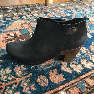 4e06e49961e6f3 Women Vialis Shoes on Poshmark